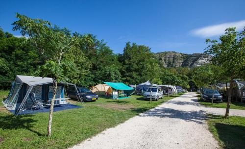 Emplacement camping car Ardeche – CAMPING LA GRAND'TERRE